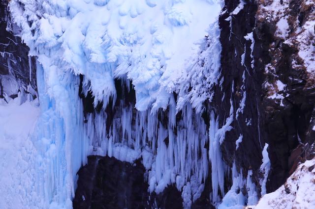 フレペの滝 冬