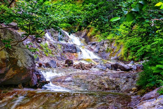 夏の知床 カムイワッカ湯の滝